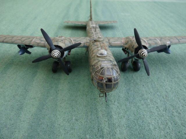 [Revell] Heinkel He 177 A-5 + Fritz X P1030123