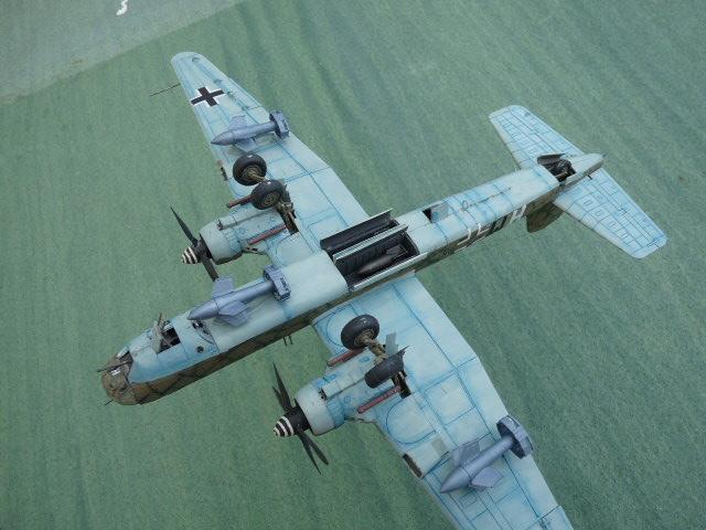 [Revell] Heinkel He 177 A-5 + Fritz X P1030127