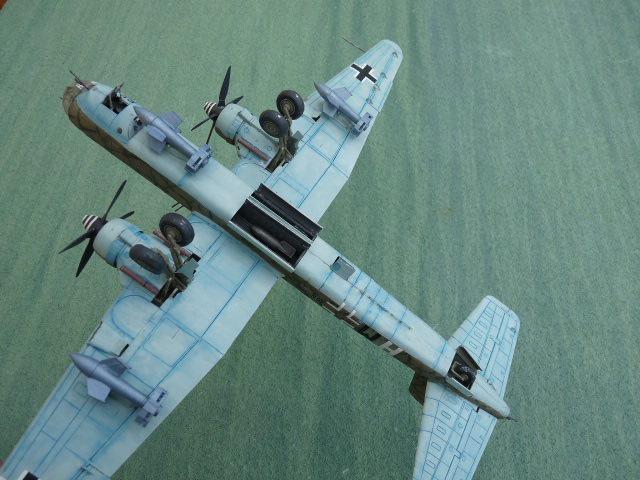[Revell] Heinkel He 177 A-5 + Fritz X P1030128