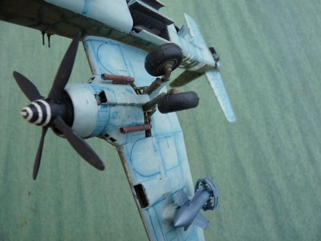 [Revell] Heinkel He 177 A-5 + Fritz X P1030129