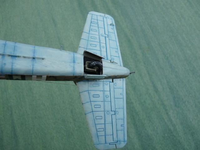 [Revell] Heinkel He 177 A-5 + Fritz X P1030131