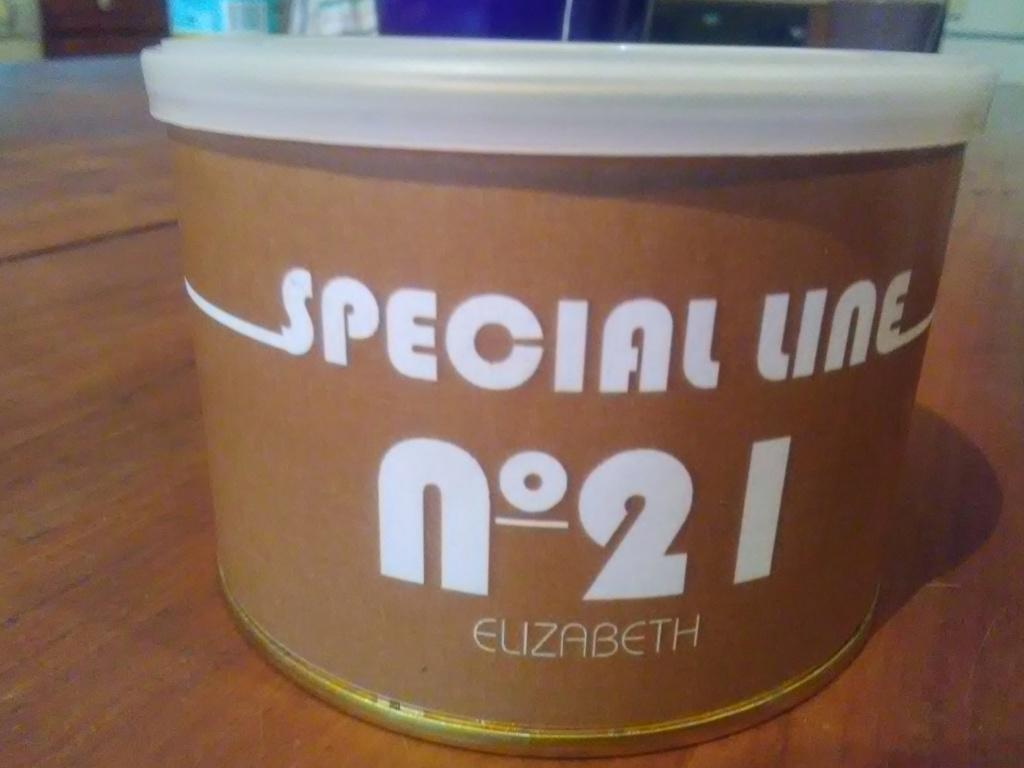 Un équivalent au Special Line 21?  Img_2030