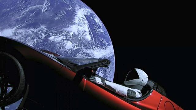 Bueno...Os traigo la gran noticia..Estamos en 2019 y el FUTURO ya es HOY Tesla10