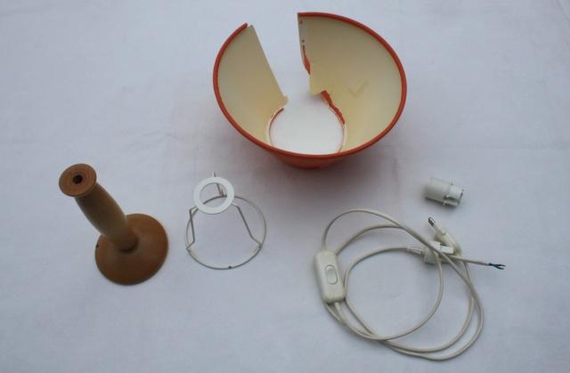 Pour ceux qui ne savent pas quoi faire de leur lampe de chevet abîmé ! Img_1310