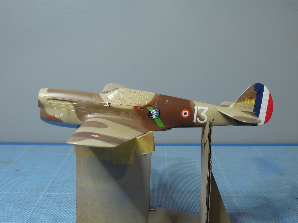 P-40F -  1/72 Special Hobby - Tunisie 1943 D211
