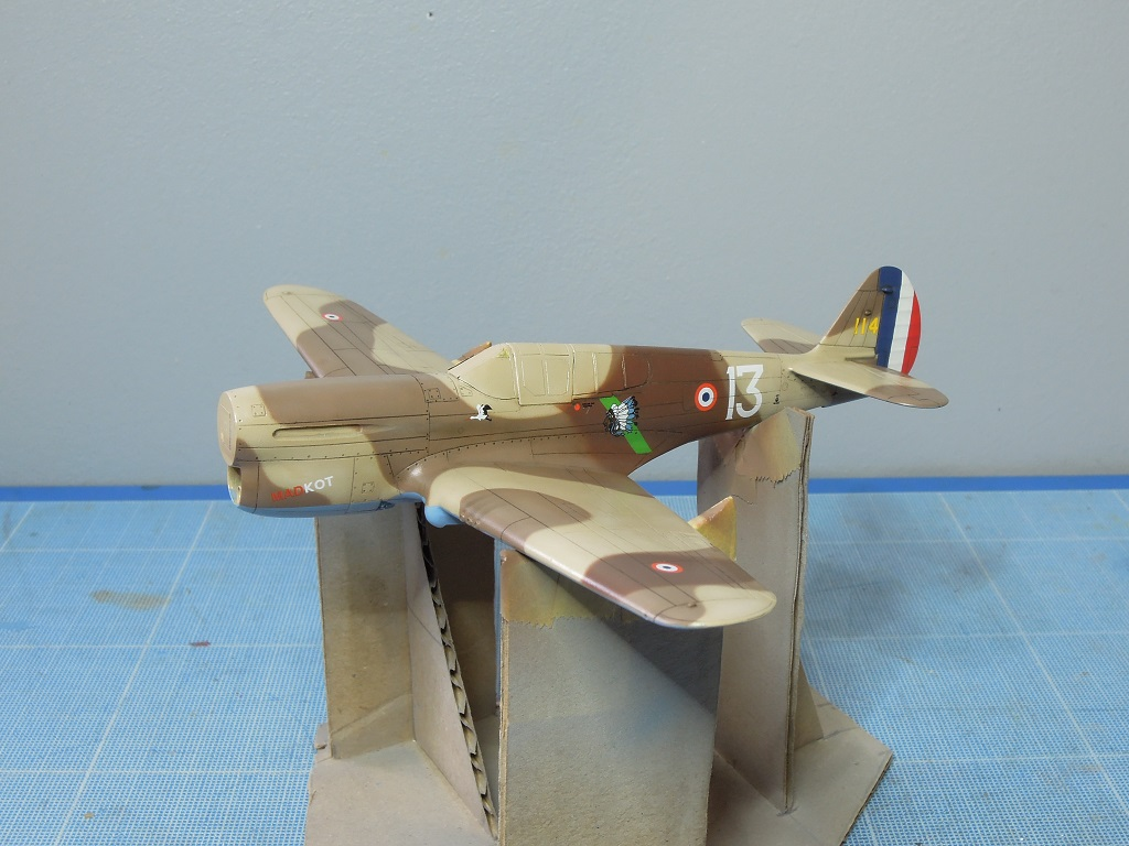 P-40F -  1/72 Special Hobby - Tunisie 1943 D512