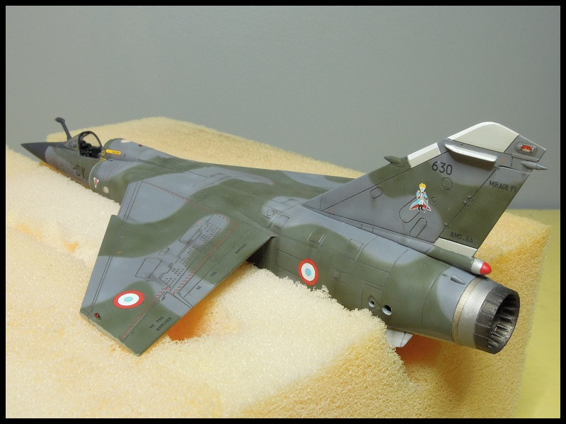 Mirage F-1 CR - Special Hobby - 1/72 - FRANCE 1980 Dscn2214