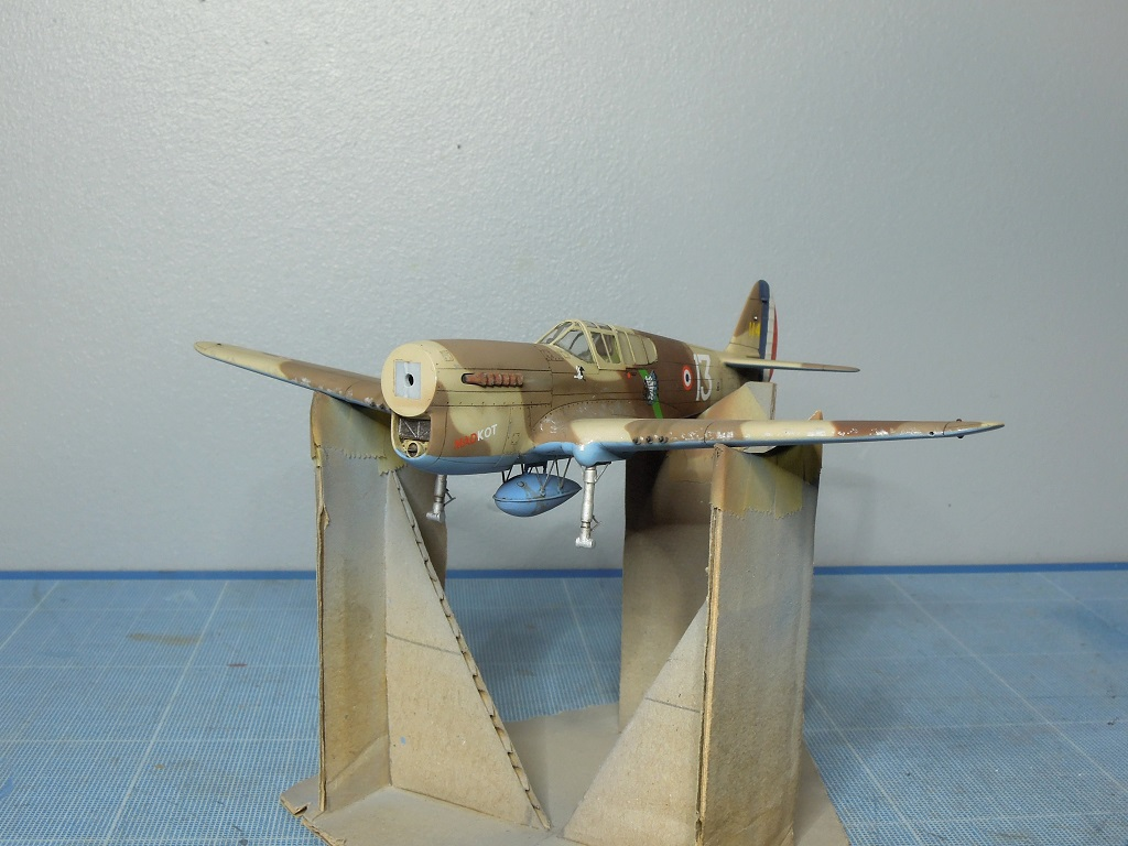 P-40F -  1/72 Special Hobby - Tunisie 1943 - Page 2 E112
