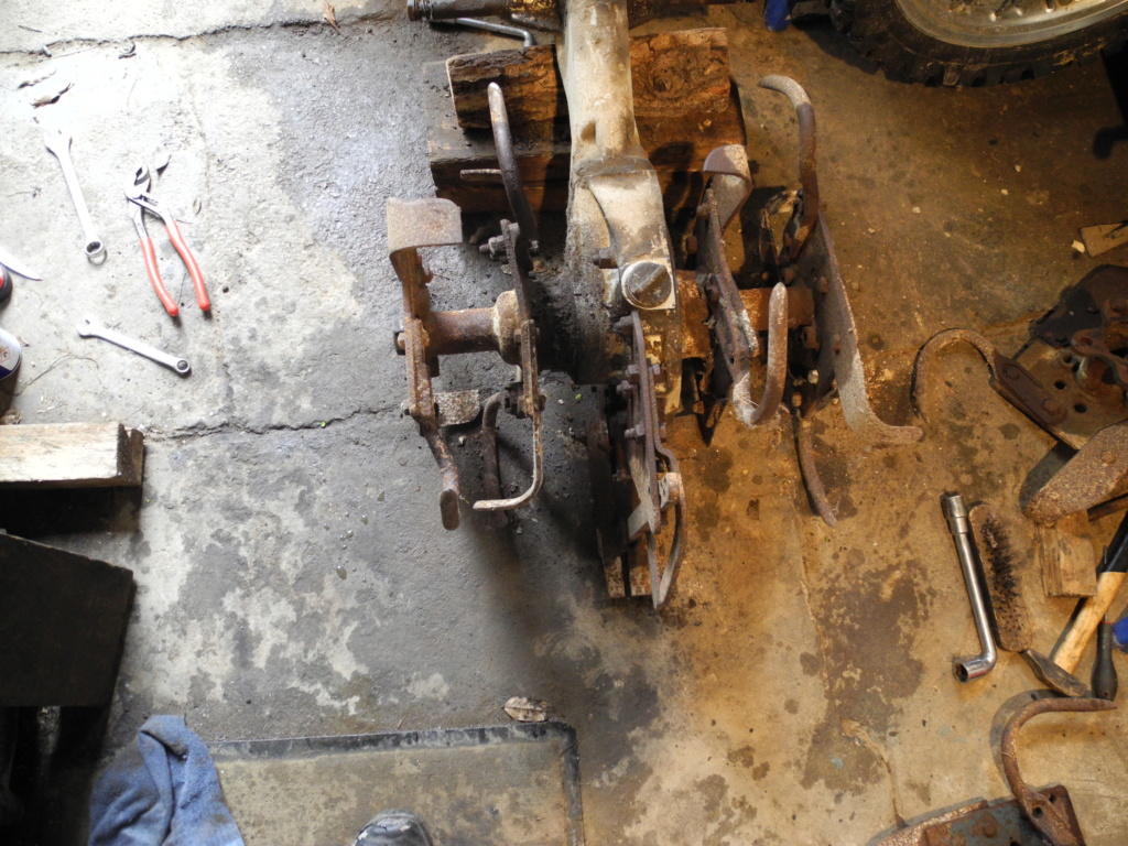 restauration -  Restauration d'un rotovator pp6 Dscn1711