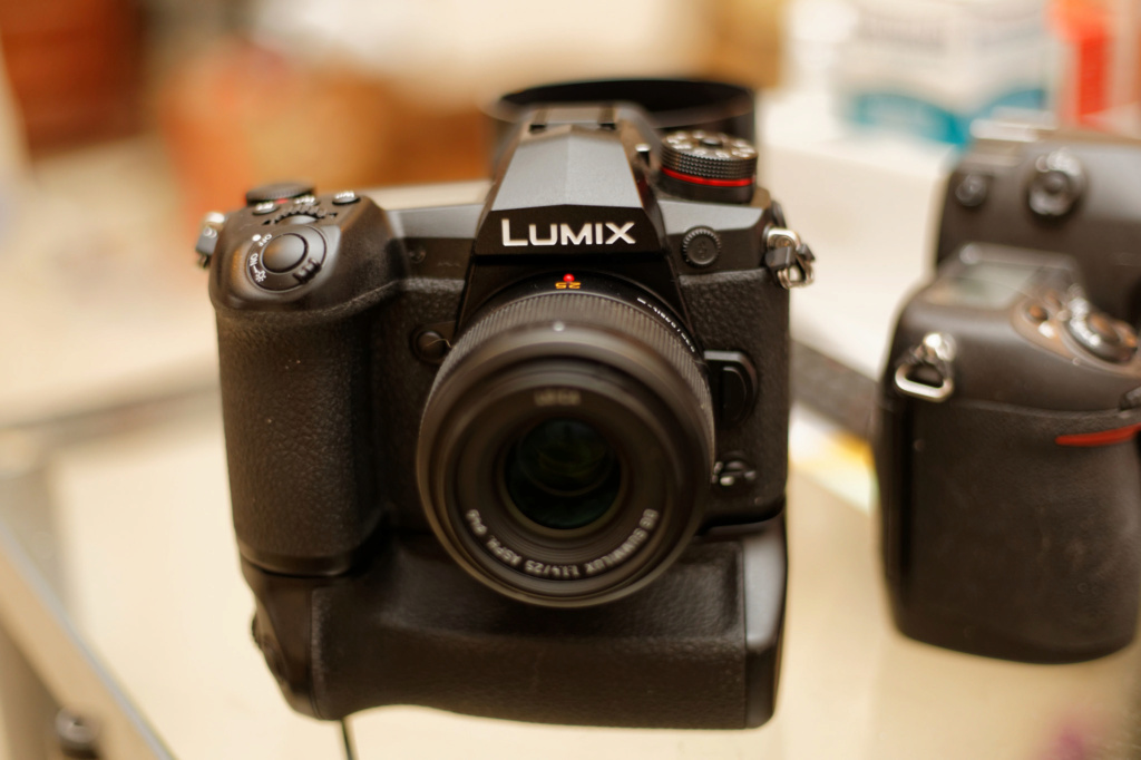 [VENDUS] Panasonic Lumix DC-G9+Grip 2accu+PanaLeica 42.5 1.2+25mm1.4 40406510
