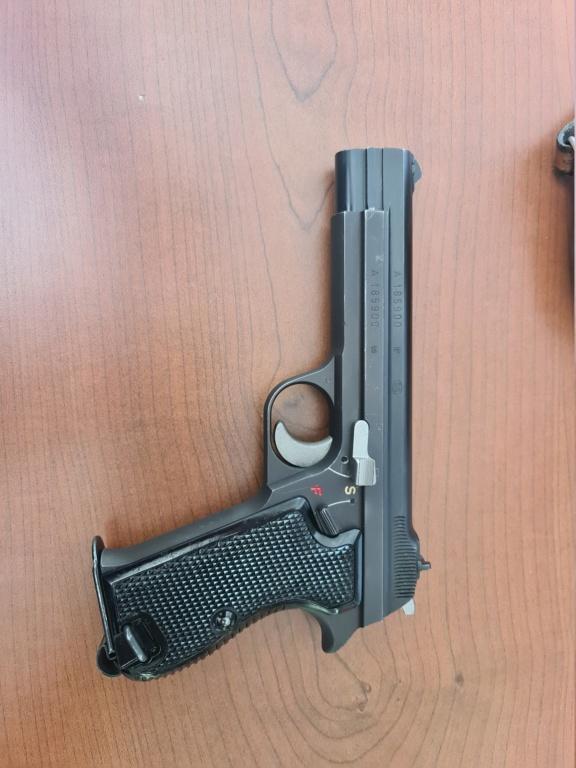 Pistolet SIG P210 20210813