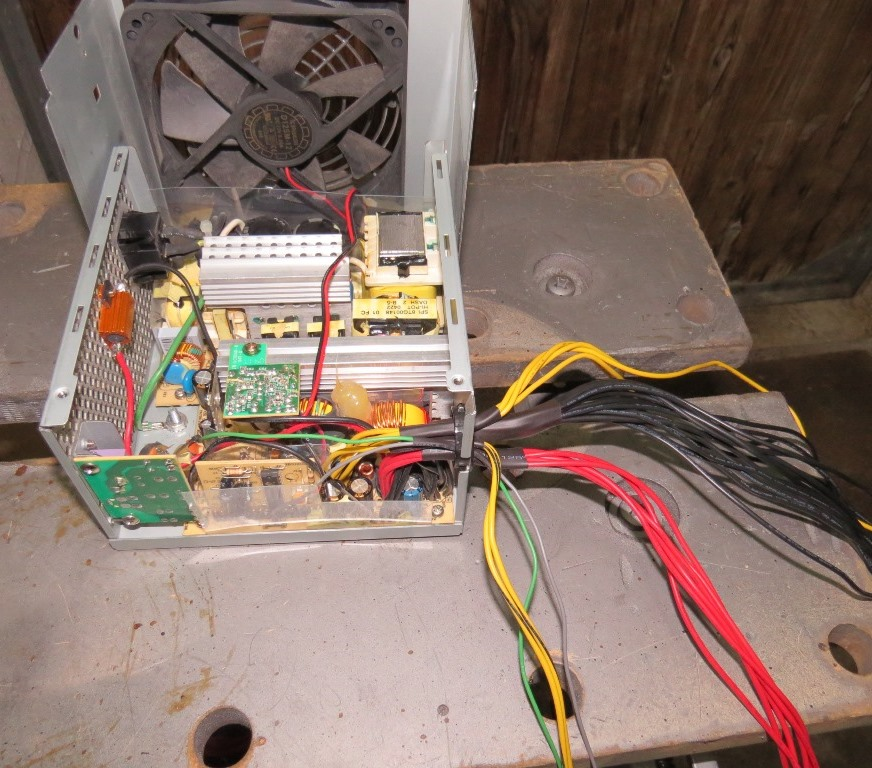 Du 12v dans la cagouille avec une alimentation de PC Img_2125