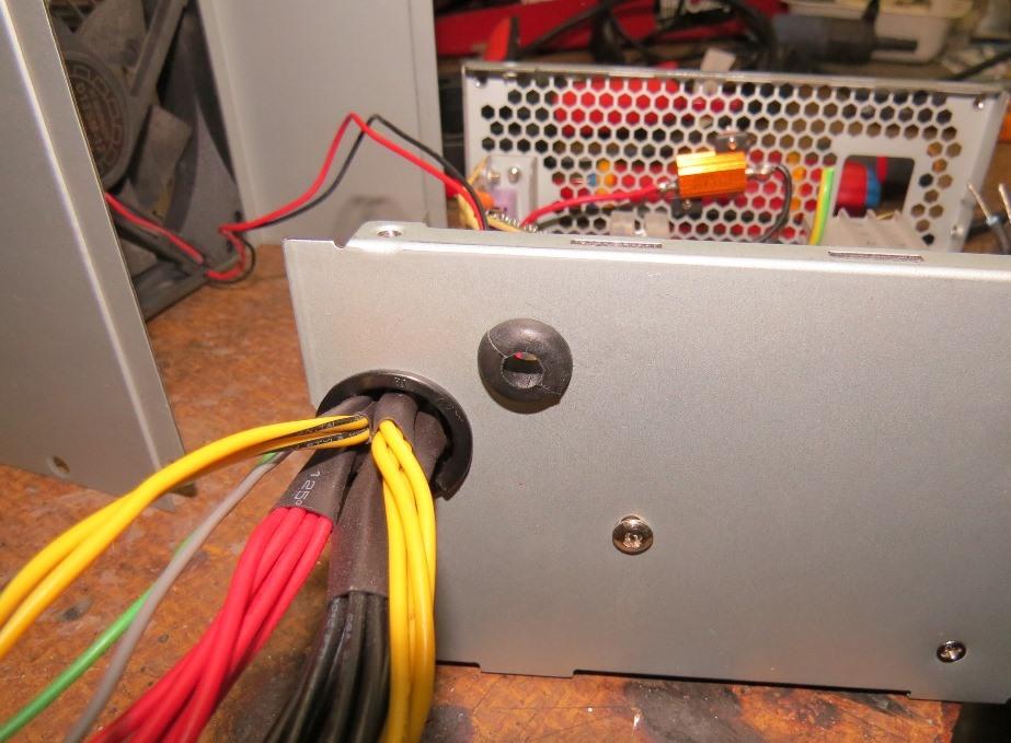 Du 12v dans la cagouille avec une alimentation de PC Img_4215