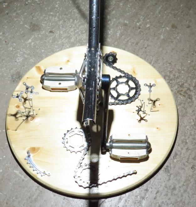 Réalisation d'un luminaire avec récup pièces de vélos Img_6429