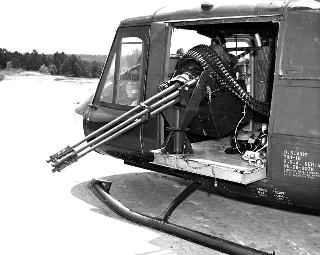 DCS 2.7 Mise à jour Huey  Uh-1b_10