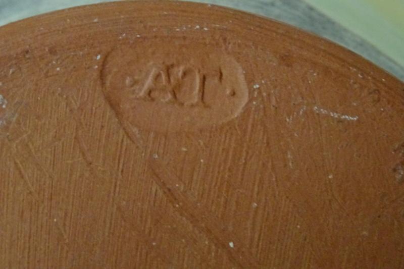 Fruity vase with ·AT· impressed maker's mark Dsc02018
