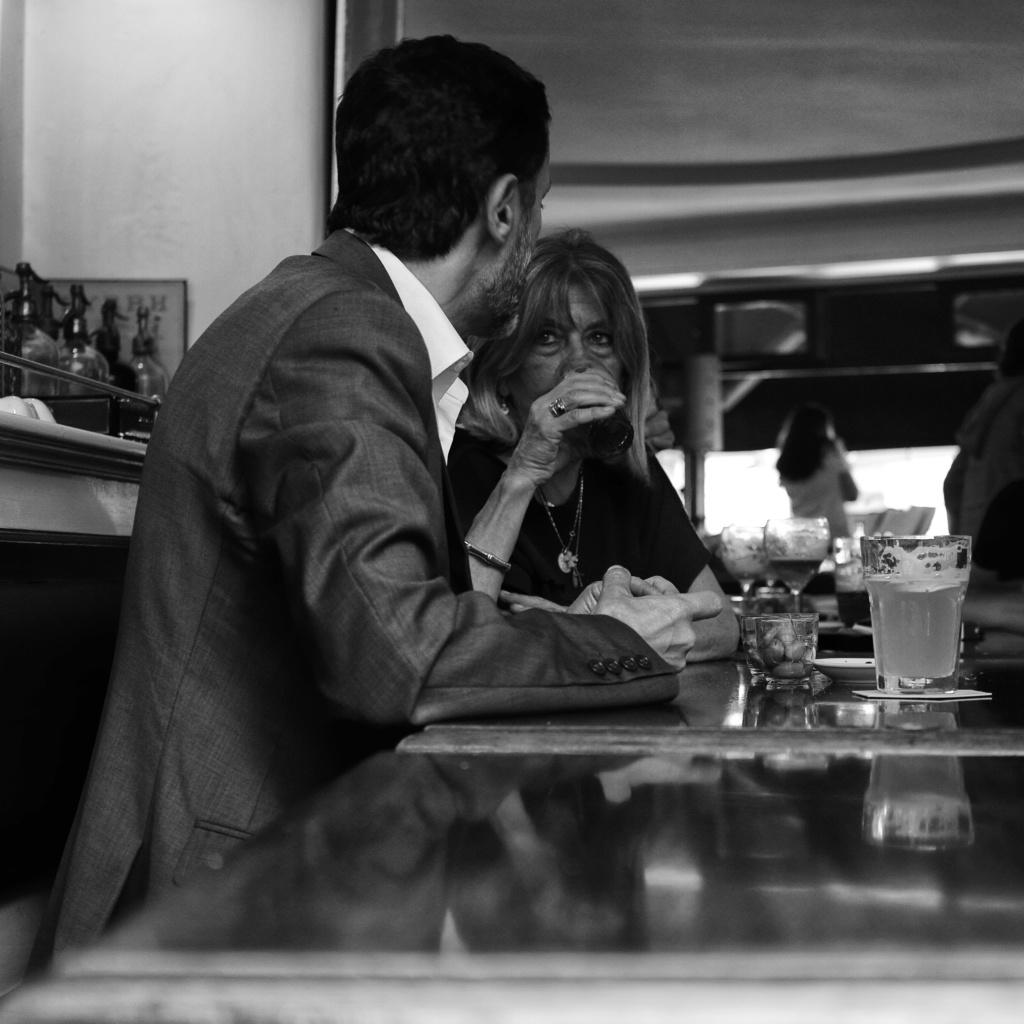 thème du jeu d'octobre '' bistrot, café, brasserie ''  2015-010