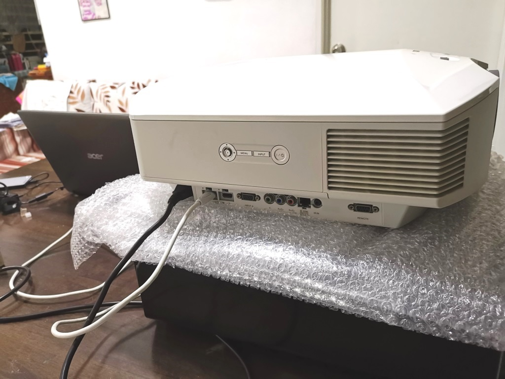 Sony VPL-HW40ES Projector With New Original Lamp Img_2097