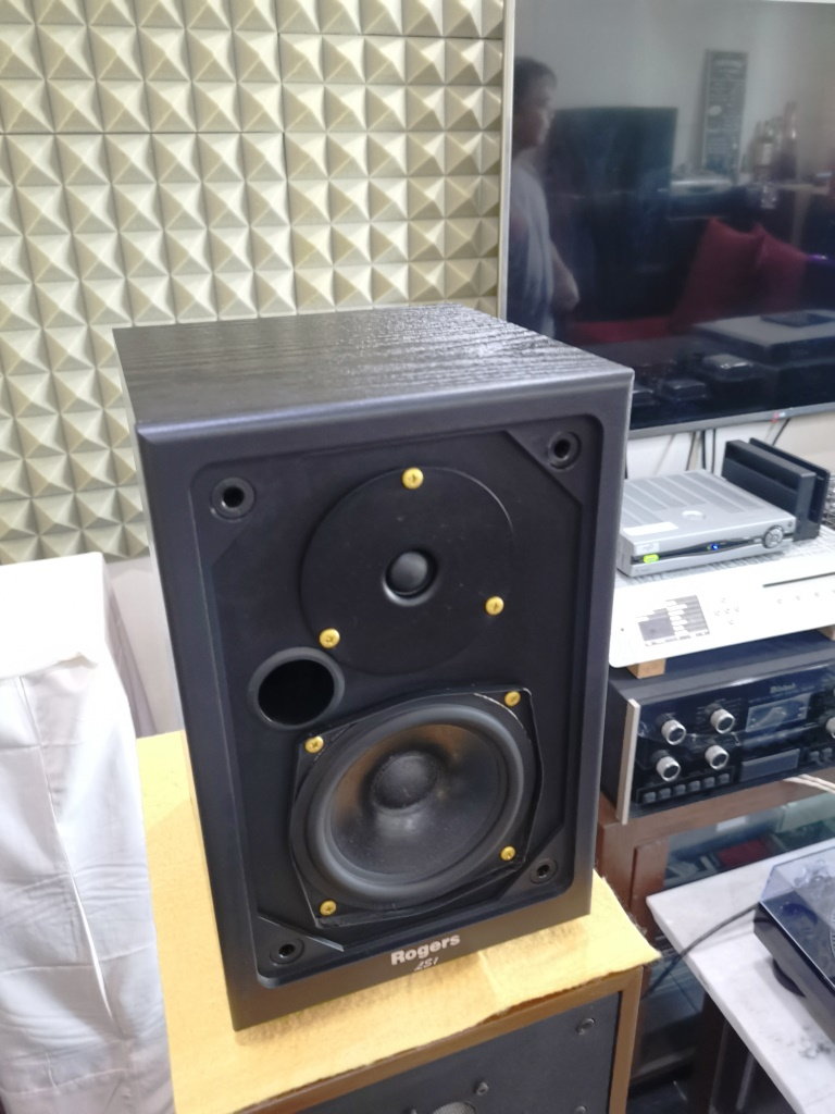 Rogers LS-1 Classic Monitor Speakers, Sweet British Sound (Used In Good Condition) Img_2148