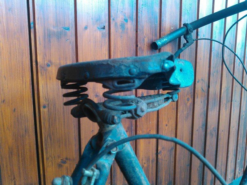 Bicyclette de dame inconnue Kimg1117