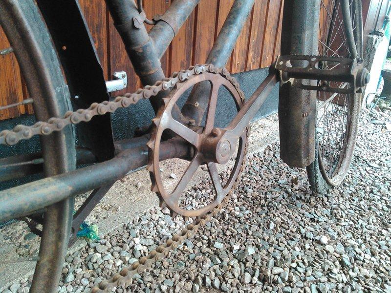 Bicyclette de dame inconnue Kimg1119