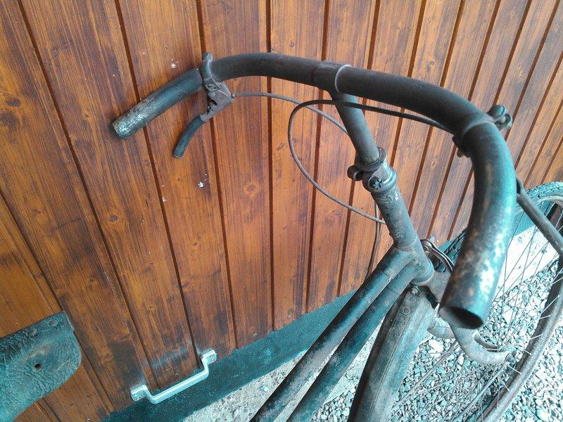 Bicyclette de dame inconnue Kimg1120