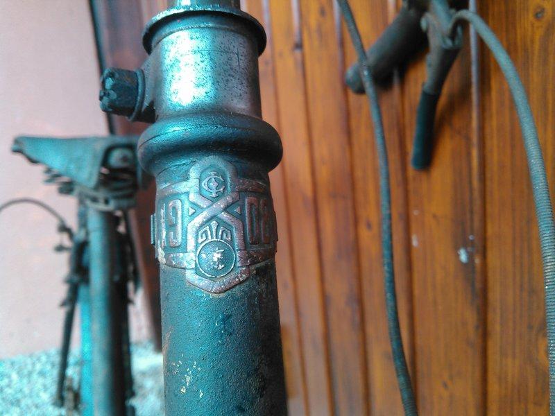 Bicyclette de dame inconnue Kimg1121