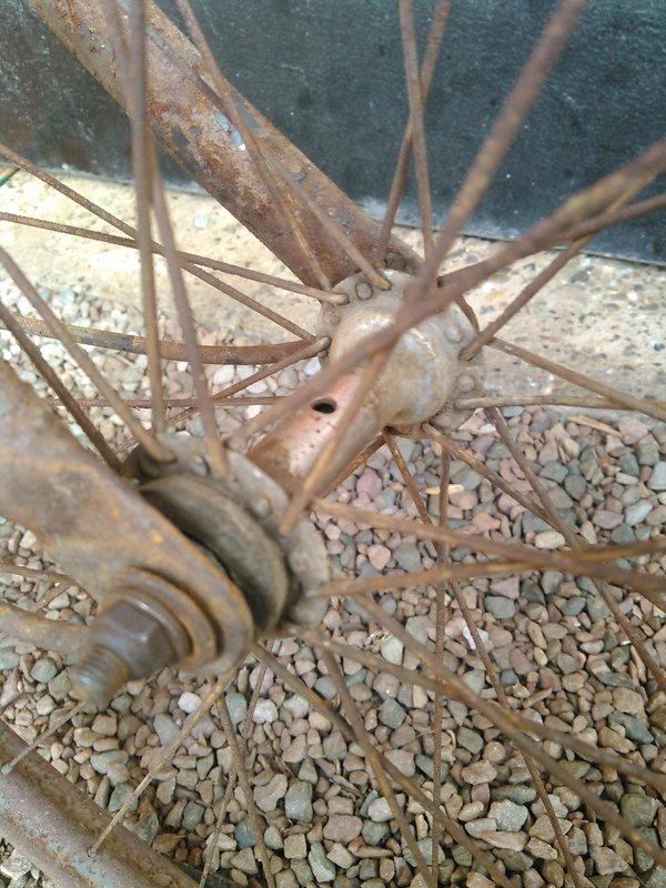 Bicyclette de dame inconnue Kimg1125