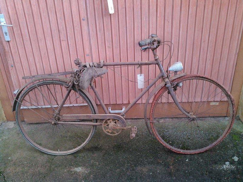 Vélo Peugeot ? n.469 127 Kimg1133