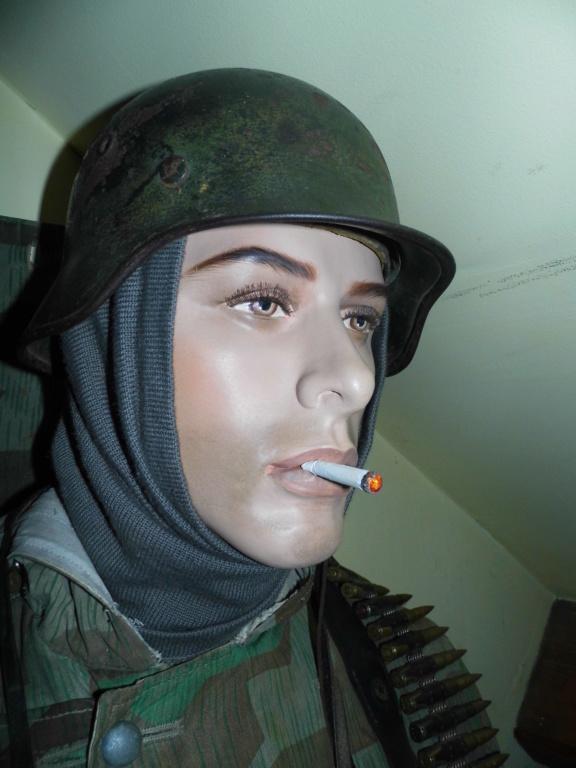 Bastogne, il attend l arrivee.... P1030473