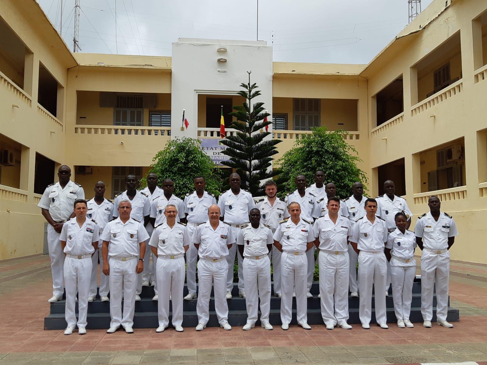 Informations et News sur la Marine Royale - Page 9 Efo_4412
