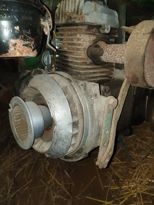 moteur - (Recherche) marque du moteur sur agria 2400 20200111