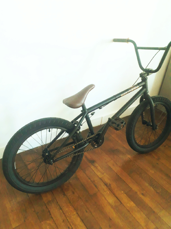 [ VENDU] BMX Flybikes neutron rhd 20.75'' flat black 350 € Bmx0210