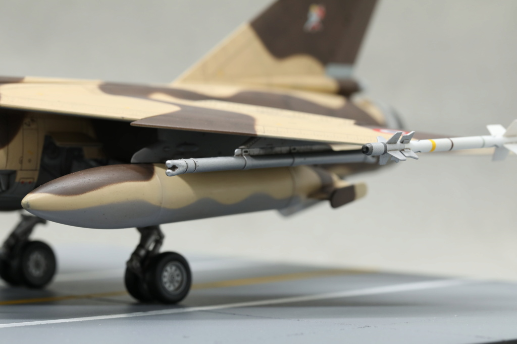 KittyHawk 1/48 - Mirage F1 CR 1/33 Belfort Tchad 410a4536