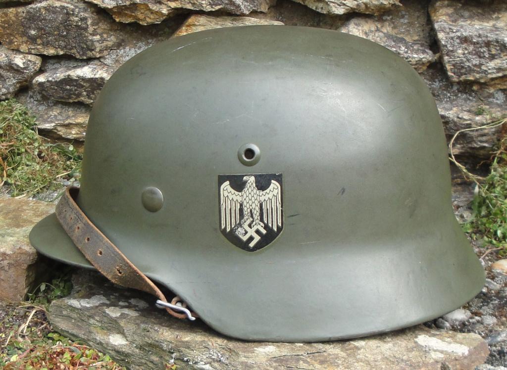 Casque Heer typique de la Wehrmacht 1323