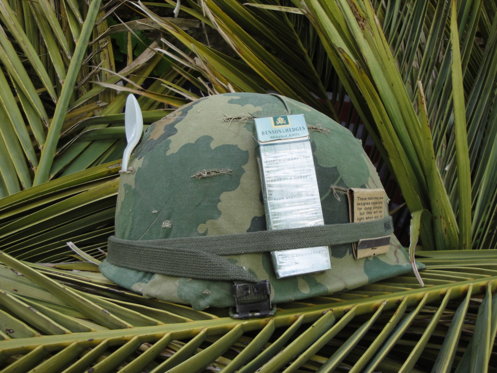 Casque US Vietnam de la 196th infantry brigade 1716