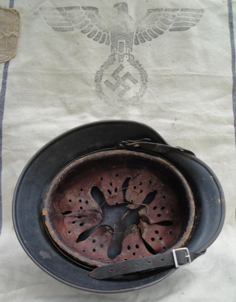 Les casques de la Luftwaffe - Page 2 1813