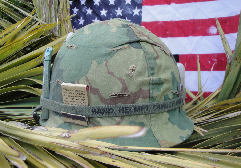 Casque US Vietnam de la 196th infantry brigade 227