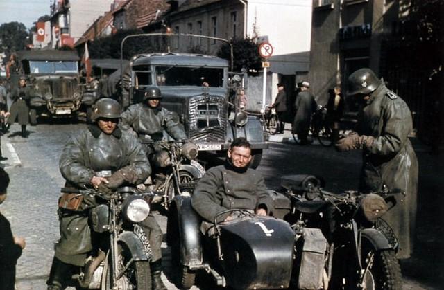 Casque Heer typique de la Wehrmacht 2915