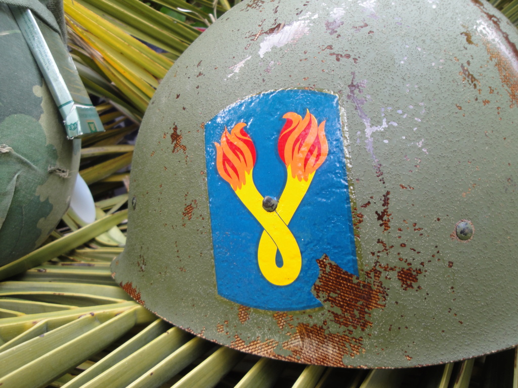 Casque US Vietnam de la 196th infantry brigade 3111