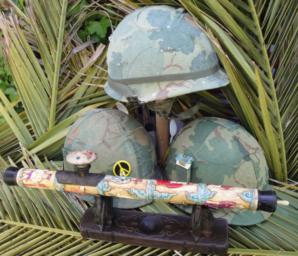 Casque US Vietnam de la 196th infantry brigade Dsc07010