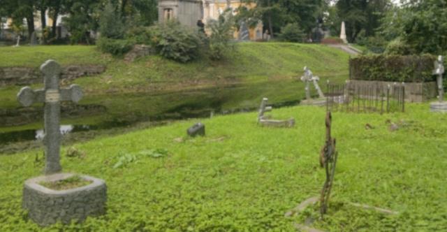 Никольское кладбище и нечисть в образе кота Screen99