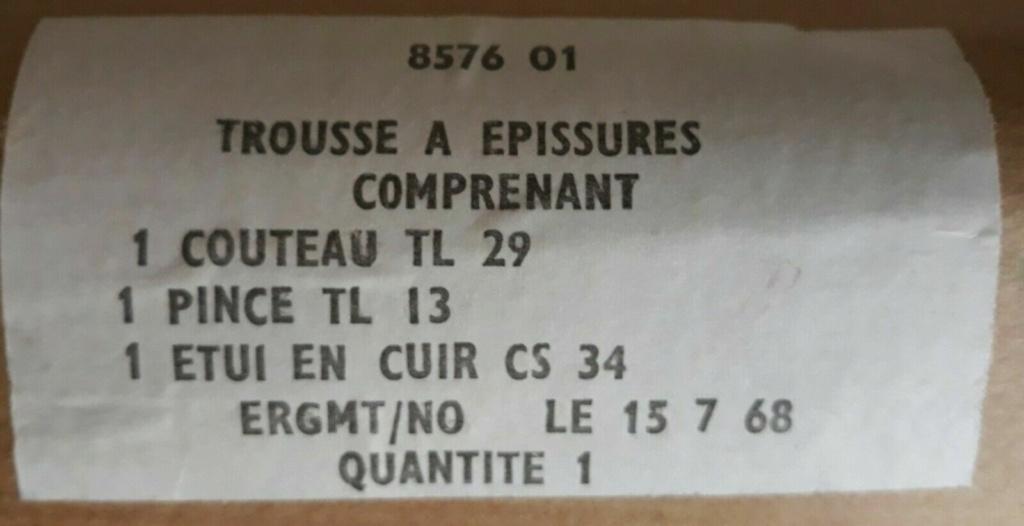 Couteaux pliants militaires réglementaires Français & Etrangers - Page 2 Etique10