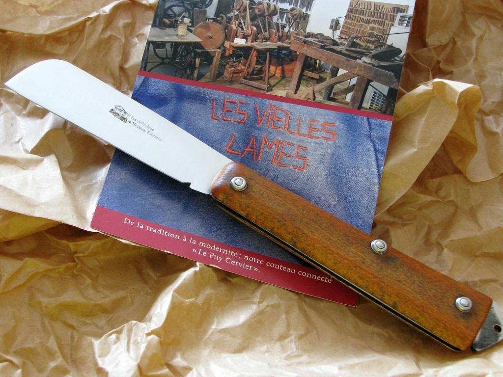 Couteaux pliants militaires réglementaires Français & Etrangers - Page 2 Img_8233