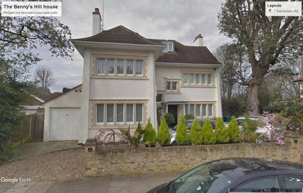 La maison de Benny Hill Benny_10