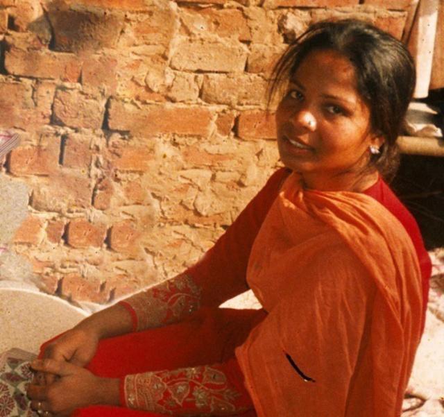 Asia Bibi, condamnée à mort parce qu'elle est chrétienne - Page 3 Asia_b10