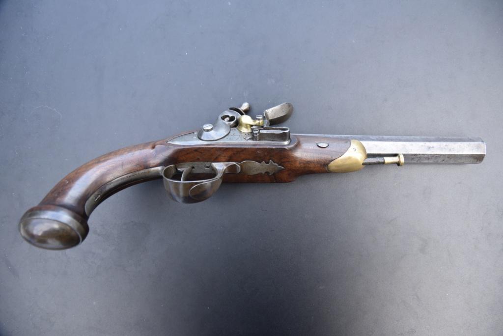 maubeuge pistolet officier 60557a11