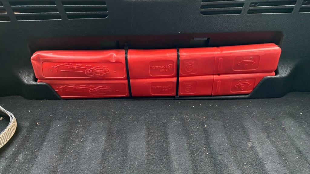 apertura del maletero en caso de averia en astra K 3651fb10