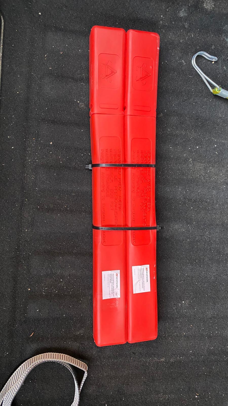 apertura del maletero en caso de averia en astra K Abec3a10