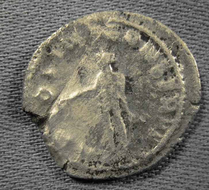 Identification d'une monnaie romaine Img_0117